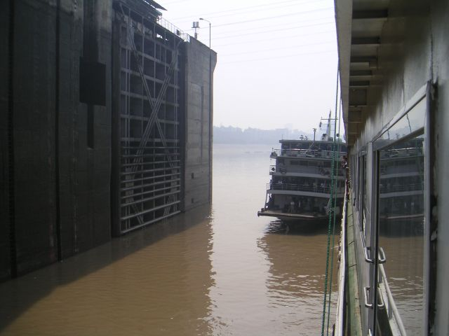 093-yangze-river-lock