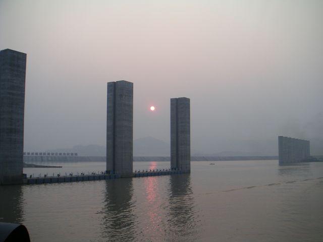 100-yangze-river-3-gorges-dam