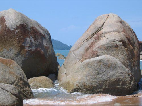 beach_rocks_0